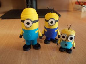 3 minioni de hartie