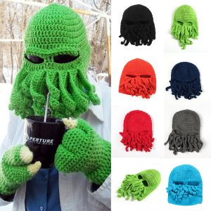 sursa foto - https://www.aliexpress.com/item/New-Fashion-Funny-Woolen-Octopus-Pattern-Beanies-Winter-Warm-Knitted-Wool-Ski-Face-Mask-Knit-Hat/32718577170.html?spm=2114.40010308.4.71.ZMP0O9