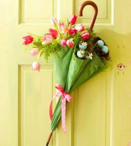 sursa foto - http://www.bhg.com/holidays/easter/decorating/quick-and-easy-easter-decorations/?slideId=e31e7a8c-d56c-47f0-a2d3-27c3be46ec60#page=7